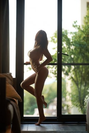 Julide asian live escort