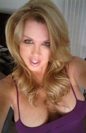 Jannice independent escort in Coldwater