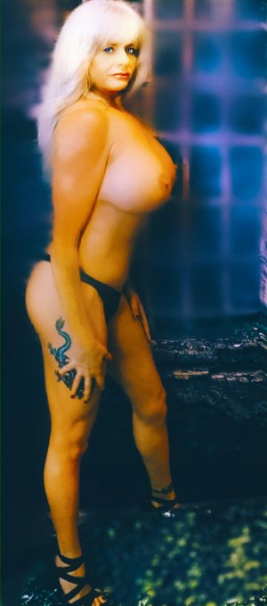 Kyarra independent escorts in New Franklin